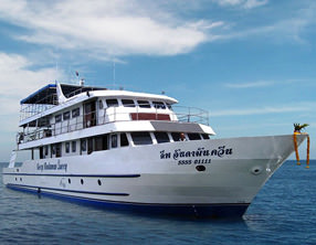 liveaboard deep andaman queen similan islands khao-lak thailand